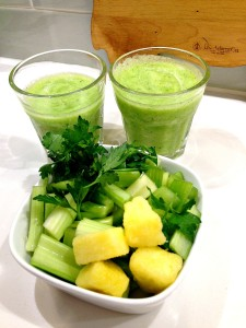 Pineapple Parsley Green Smoothie