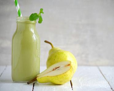 power kiwi kale pear smoothie